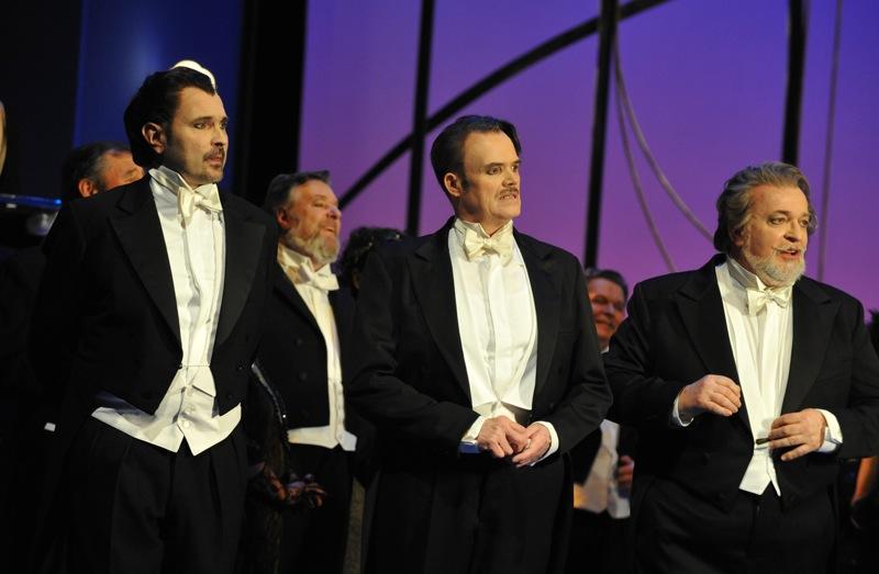 v.l.: Tomasz Kaluzny, Hans-Günther Dotzauer, Joachim Pieczyk, Chor