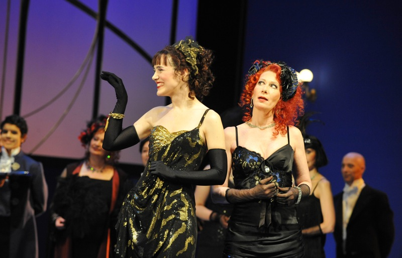 v.l.: Arantza Ezenarro, Katharina Peters, Chor