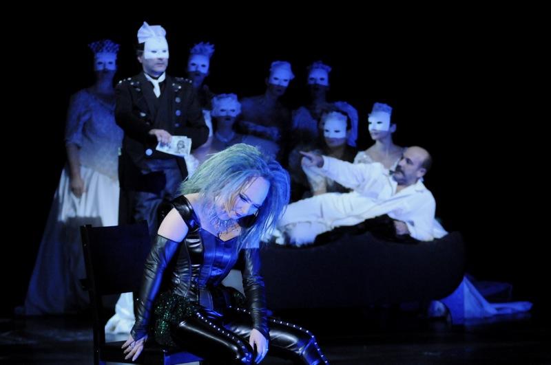 v.l.: Tomasz Kaluzny, Helena Zubanovich, Jorge Perdigón a. G., Chor