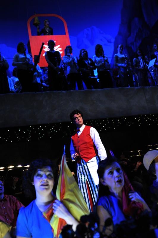 v.l.: Alexander Schröder, Jugendblasorchester, Chor